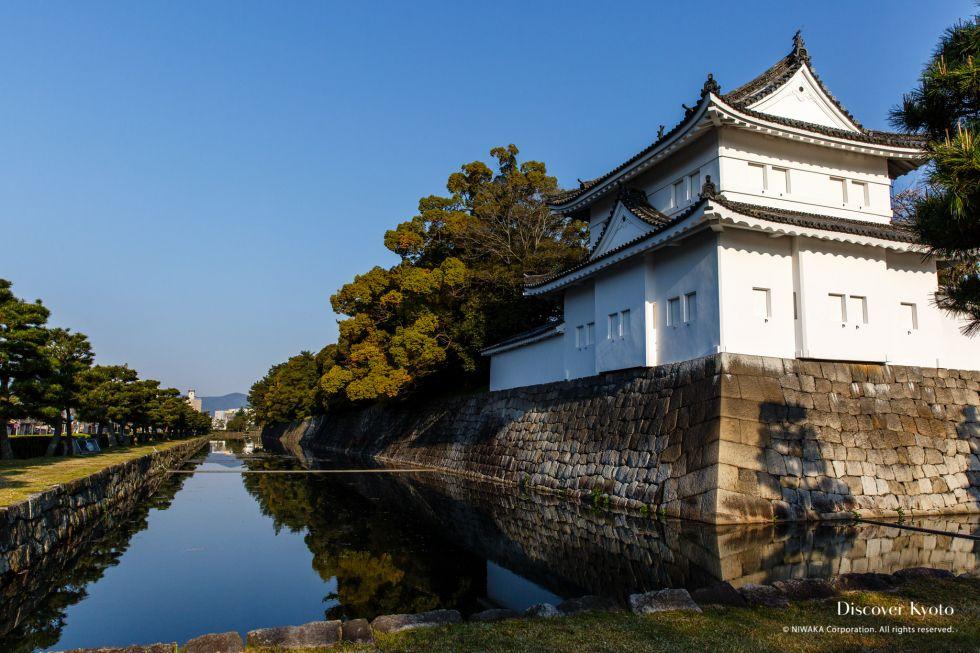 Moat at Nijō Castle.