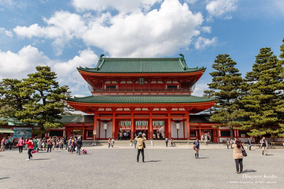 The Ōtenmon Gate at Heian Shrine.