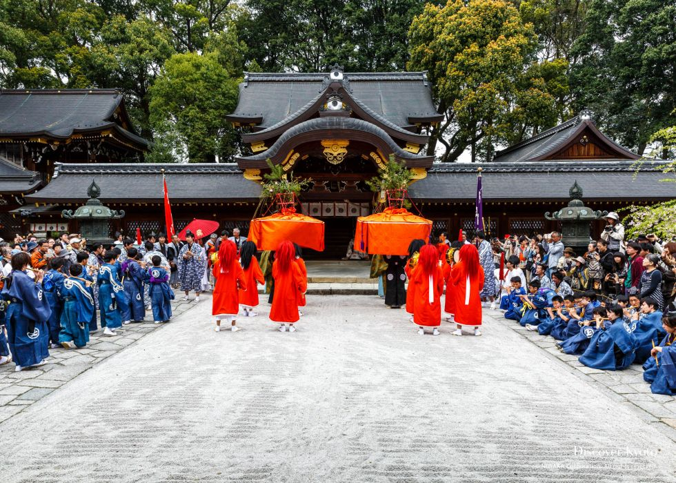 The first dance of Yasurai Matsuri at Imamiya Shrine.