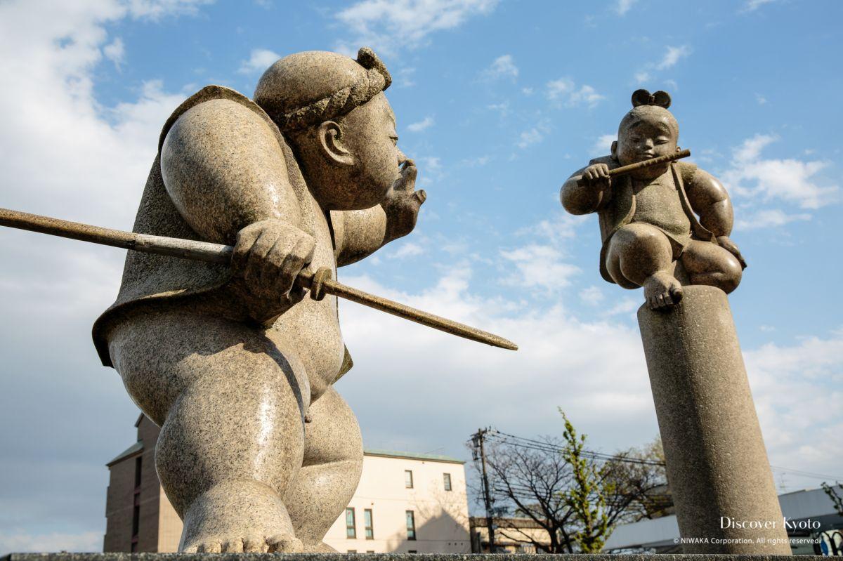 Kyoto Voice Statues Benkei Yoshitsune