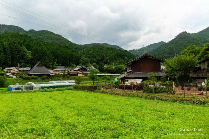 View of Ōhara on the way to Jakkō-in