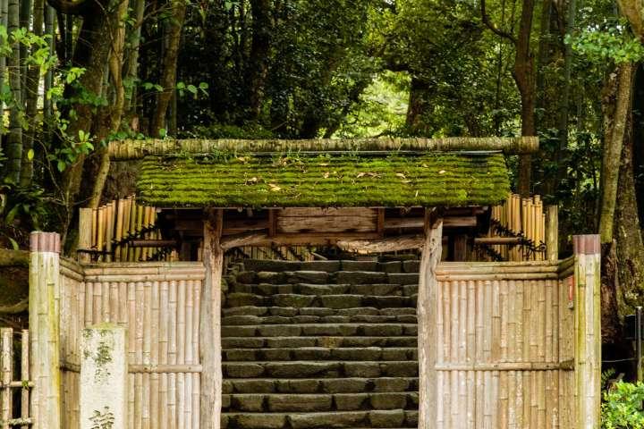 Bamboo gate at Shisen-dō temple.