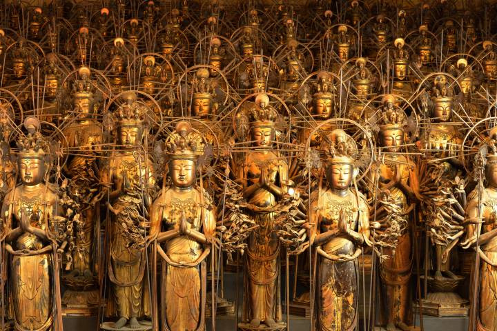 Rows of Thousand Armed Kannon Statues at Sanjūsangen-dō Temple