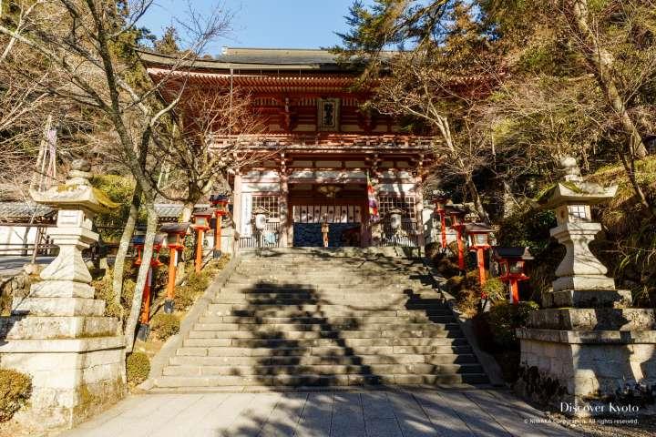 The main gate at Kurama-dera.