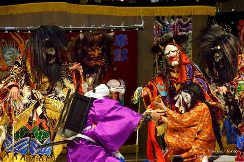 Shuten-dōji and his demons tricked by a mountain monk during the Iwami Kagura at Yasaka Shrine.