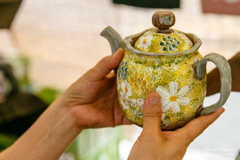 Teapot at the Gojōzaka Tōki Matsuri.