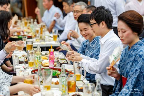 Kamishichiken Beer Garden Community Women