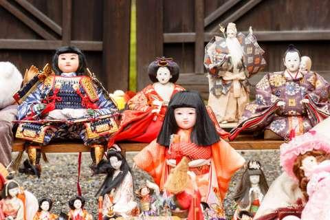 Dolls are gathered to take part in the Ningyō Kuyō at Hōkyō-ji.