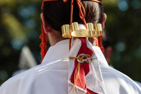 The hair ornaments of a priestess during the Yoroi Kizome-shiki at Kamigamo shrine.