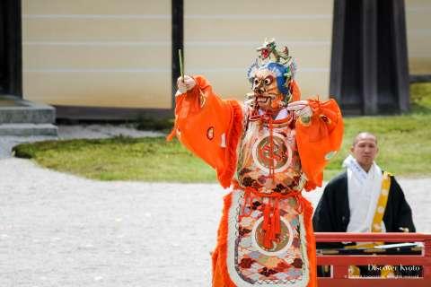 A bugaku performance during the 2015 Kadō Matsuri at Daikaku-ji.