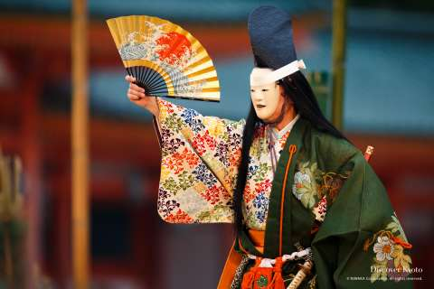 Taira no Tsunemasa appears at Takigi Nō at Heian Shrine.