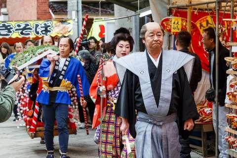 The Hoikago Procession during Tōka Ebisu at Kyoto Ebisu Shrine.