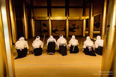 A room of gold being cleaned by volunteers during the Osusuharai at Nishi Hongan-ji.