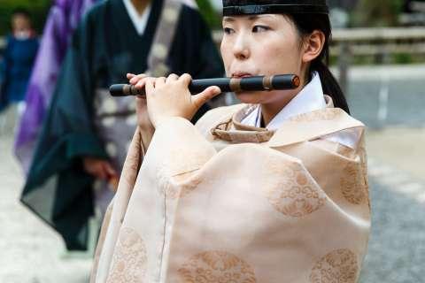 The ritual begins at Takekiri-eshiki at Kurama-dera.