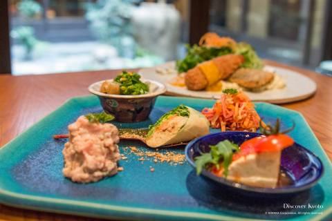 Ukijima Garden Vegetarian Meal Angle